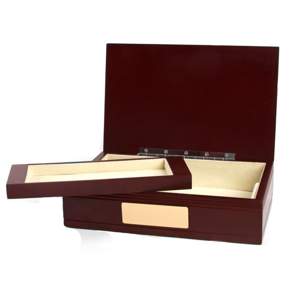 Engraved Marron Wooden Valet Box for Gentlemen inset 1