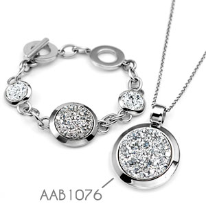 Treasure Trove Crystal Engraved Silver Bracelet inset 3