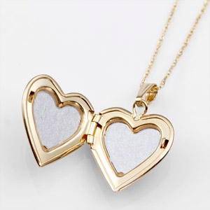 Sweet Girls 14k Gold Heart Personalized Locket 15 inch chain inset 1